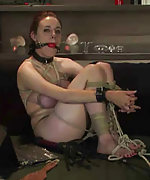 Slavegirl ropes, gags and teases herself in live show
