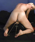 Blond slavegirl makes herself cum in a live show